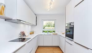 brigitte musterküche designerküche mit weißer arbeitsplatte
