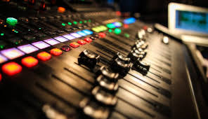 You Need To Connect Your Microphone A Mixing Console Or Pre Amp And Take Audio From The Line Level Out On Those Devices