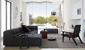 wohnzimmer ideen für schwarzes sofa wie richtig