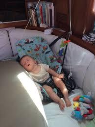 les 10 essentiels pour un bébé en bateau