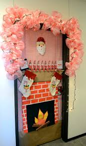 Office Cubicle Holiday Decorating Ideas by Backyards Door Decoration Contest Sparks New Tradition Texas