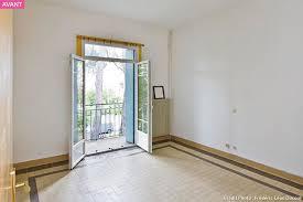 couleurs chambre relooking en gris et en couleurs vives pour une chambre parentale