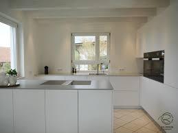 grifflose design küche in weiß matt mit bora proffesional 2