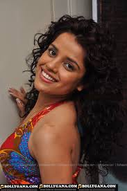 Piya Bajpai hottest full body show photos