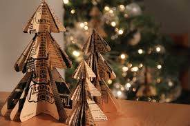 Christmas Tree Books Diy by Remodelaholic 35 Paper Christmas Decorations To Make This