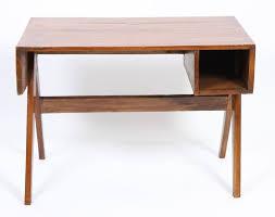 bureau teck massif jeanneret bureau en teck massif et placage de teck plateau