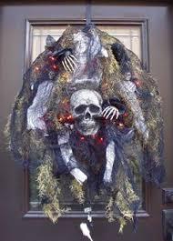 Grandin Road Halloween Wreath by Scary Halloween Wreath Skull Wreath Skull And Bones Halloween