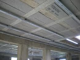pose rail placo plafond 15 août et 16 août fin de la pose des fourrures placo au plafond