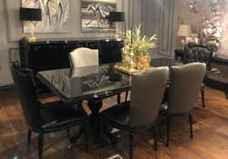casa padrino luxus barock esszimmer set schwarz gold 1 esstisch mit glasplatte 6 esszimmerstühle edle esszimmer möbel im barockstil