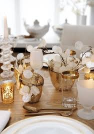 Dining Room Table Centerpiece Decor by 45 Amazing Christmas Table Decorations Digsdigs