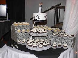 Cakes Ultimately Chocolate Blackandwhite Themed Wedding Cupcake Display Table S Laurie
