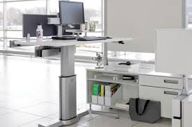 Herman Miller Envelop Desk Assembly Instructions by Stand Up Desks 10 Options Reviewed Bloomberg