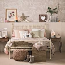 Cozy Bedroom In Caramel And Vanilla Add A Touch Of Rustic Warm With Some Wooden