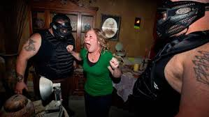 Knotts Halloween Haunt Mazes by Horror Fans Pay A Premium For Extreme Haunted Mazes Latimes