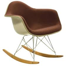 Charles And Ray Eames Rocking Chairs - 46 For Sale At 1stdibs Black 2014 Herman Miller Eames Rar Rocking Arm Chairs In Very Good Cdition White Rocking Chair Charles Ray Eames And For Vintage Brown By C Frank Landau For Sale Rope Edge Chair 1950s Midcentury Modern Rar A Pair 1948 Retro Obsessions