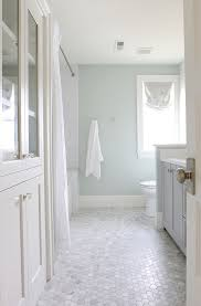 Bathroom Tile Color Ideas by Best 25 Neutral Bathroom Tile Ideas On Pinterest Neutral