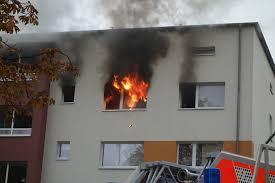 küche brennt vollständig aus ein verletzter