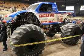 File:Bigfoot 15 Closeup At Brown County Arena.jpg - Wikimedia Commons Dub Magazine The Hundreds X Bigfoot 4x4 Collab Bigfoot Live In Action Dialtown Daily Monster Truck Stock Photos Atlanta Motorama To Reunite 12 Generations Of Mons History And Culture By Bicycle February 2011 Monsterized 2016 Tale The Season On 66inch Tires All Worlds Faest Gets 264 Feet Per Gallon Wired 5 Startup Drive Off Tallest World Hd Meet Man Behind First Wsj Legendary Makes Stop In Jamestown Newsdakota Closeup Huge Wheels Monster Truck Driving Fast 2015 Powernation Week 3 Bigfoot Is Back