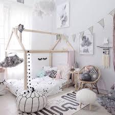 cabane dans la chambre tendance le lit cabane pour enfant