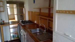 küche gasherd spüle regale holz arbeitsplatte