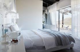 doppelbett in modernem schlafzimmer im bild kaufen