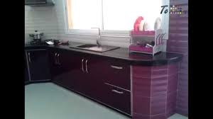 habillage cuisine cuisine batie habillage en porte moderne couleur blanc aubergine