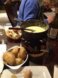 le chalet savoyard rue de charonne le chalet savoyard restaurant savoyard de fondue et raclette