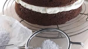 schoko kuchen mit cremefüllung