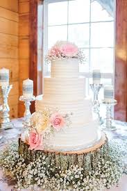5 Amazing Rustic Wooden Wedding Cake Stand 7