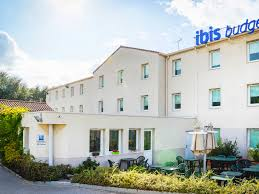chambre d hote meyreuil hotel in meyreuil ibis budget aix en provence est sainte victoire
