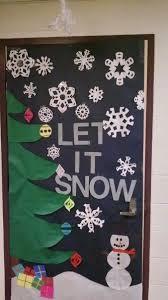 Christmas Office Decorating Ideas For The Door by Best 25 Christmas Door Decorations Ideas On Pinterest Door
