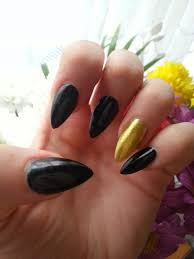 Lipstick in London Black Almond Shaped Nails
