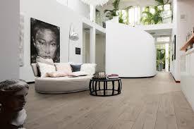 laminatböden im richtigen format und dekor schaffen neue