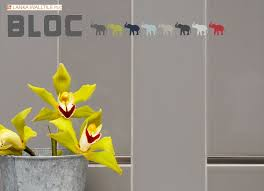 bloc wall tile this tile hung vertically alternate matte and
