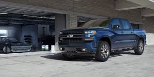 The 2019 Chevrolet Silverado 1500 Gets An I6 Diesel And 450 Lbs Of ... Resigned Chevy Silverado Pickup Loses Weight Gains Size Allnew 2017 Ford F150 Raptor Sheds Weight And Adds Power 2019 Jeep Scrambler Jt Pickup Truck Tow And Payload Promises To Be Gms Nextcentury Truck 35 Hot Rod Factory Five Racing 19972017 Shurtrax Traction Water 400 Lb Wo Field A Closer Look At Ratings Medium Duty Work What Know Before You A Fifthwheel Trailer Autoguidecom News Get Sued The Easy Way Trailers With Pickups Houston Tx Wkhorse W15 Electric Qa Battery Warranty Towing Curb New Hood Scoop Feeds Cool Air Hd Diesel