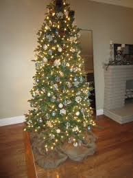 White Christmas Tree Skirt Walmart by Decorating Christmas Tree Decorating With Burlap Tree Skirt And