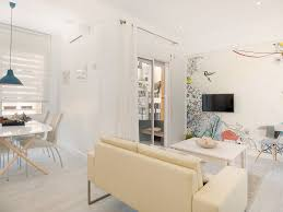 100 Bright Apartment Apartment In The Center Of Barcelona In A Pedestrian Street Grcia