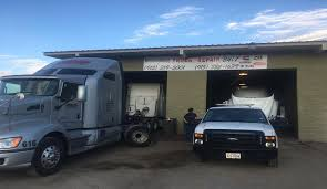 Hernandez Truck Repair Offers 24 Hour Road Service In El Paso, TX Heavy Truck Repair I64 I71 North Kentucky Trailer Hernandez Offers 24 Hour Road Service In El Paso Tx Bakersfield Car Shop Mechanic Wills Auto Port Richey Fl Florida Fleet Are You Looking For An Excellent Trailer Repair Near At Ntts We Semi Trucks Duty Towing Roadside Mobile Diesel Lancaster Pa Pin Oak Medium Plainfield Naperville South West Chicagoland Fancing