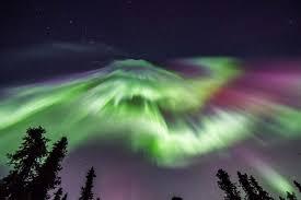 Northern lights dance across Alaska s winter skies