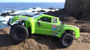 Axial Yeti™ SCORE® Trophy Truck® Brushless 4WD RTR - First Run - YouTube