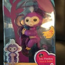 Brand New In Box WowWee Fingerlings Interactive Baby Finger Monkey Mia Purple