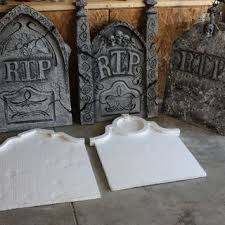 Funny Halloween Tombstones For Sale by Best 25 Tombstone Epitaphs Ideas On Pinterest Halloween
