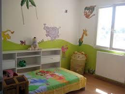 chambre jungle bébé déco chambre jungle