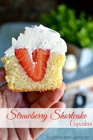 Strawberry Shortcake Cupcakes Lady Behind The Curtain