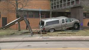 100 Two Men And A Truck Cleveland Pickup Truck Hits Police Second District Headquarters