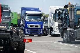 100 Who Owns Volvo Trucks Chinas Billionaire Li Turns Gaze On After Cars Bloomberg