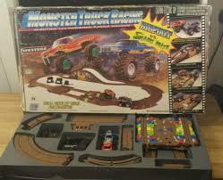 100 Snake Bite Monster Truck Vintage Marchon BIGFOOT Vs SNAKE BITE Racing Slot Set