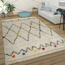 pile rug geometric design