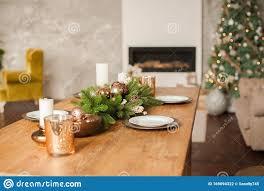 weihnachtswohnzimmerdekoration und kopierraum rustikales