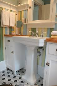 18 Inch Width Pedestal Sink by Vintage Pedestal Sink Elegant Bathroom Photo In Dallas